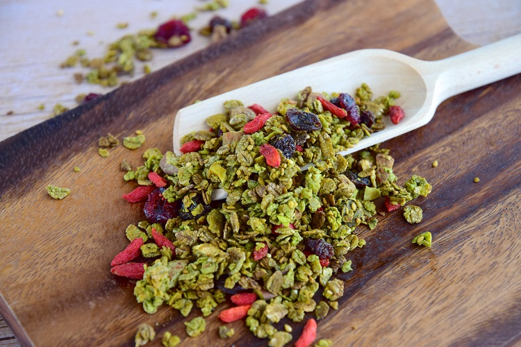 Homemade Granola With Matcha