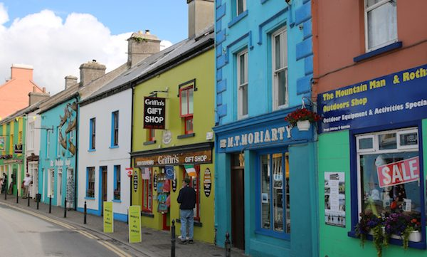 Dingle Travel Guide Fused by Fiona Uyema